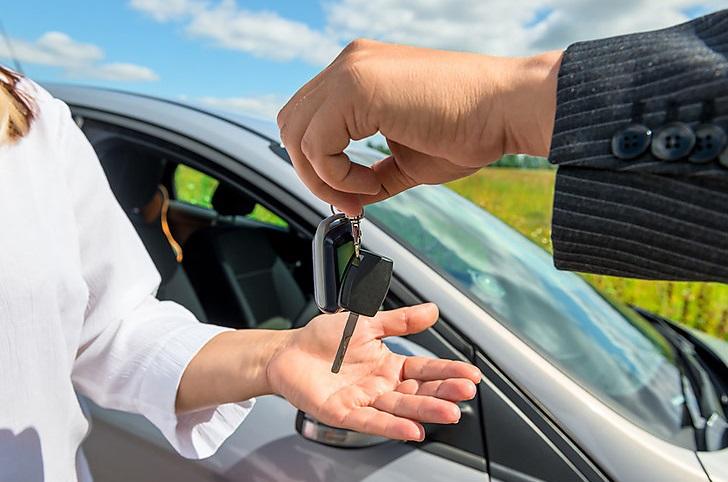 Trouver une voiture en location : les pièges à éviter